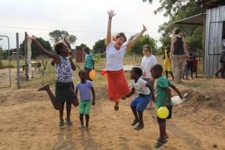 Volunteer-Africa-e1468837767593